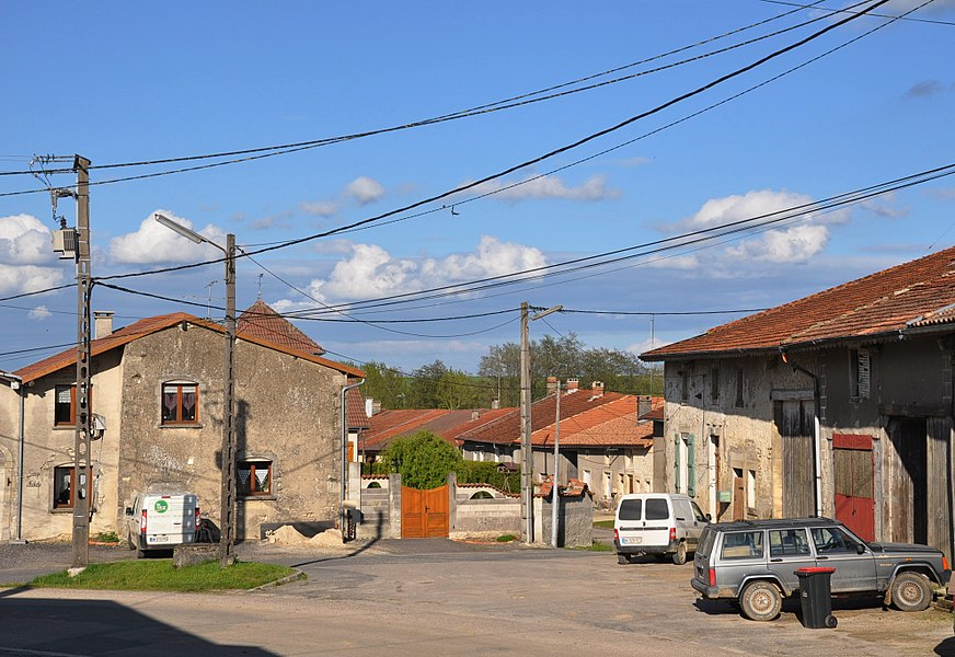 The Grand Rue (foreground) and the Rue des Maçons (background) in Autrécourt-sur-Aire (canton Seuil-d'Argonne, Meuse department, Lorraine region, France).