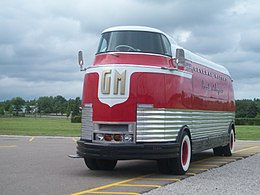 GM FuturLiner front at Flint.jpg