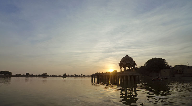 File:Gadsisar Lake Sunset.jpg