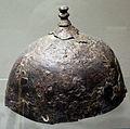 Galli, elmo in ferro con cimiero, provenienza sconosciuta, IV secolo ac.JPG