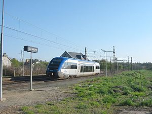 SNCF Class X 73500 - A X73500 arrives at Les Bardys