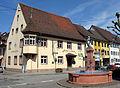 Gasthof zur Krone mit Üsenbergbrunnen.jpg