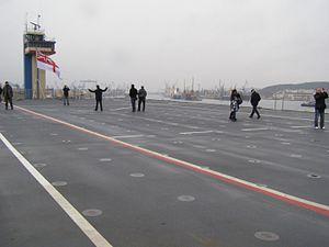 Gdynia HMS Bulwark ladowisko.jpg