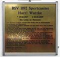 Gedenktafel Fritz-Wildung-Str 9 (Schma) Harri Wuttke.jpg