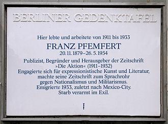 Franz Pfemfert - Memorial plaque to Pfemfert, Nassauische Straße 17, Berlin-Wilmersdorf