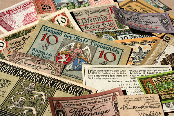 Different examples of German notgeld notes, 1917-19