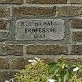"""Gevelsteen met inscriptie """"H.C. van Hall. Professor 1863"""" - Haren - 20374798 - RCE.jpg"""