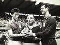 Gilmar, Vicente Feola e Belini com a taça da Copa do Mundo (1958).tif