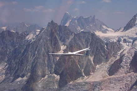 Glider on a cross-country flight in the Alps Glider at Mont Blanc.jpg