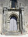 Gourgé église portail.JPG