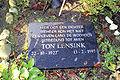 Grafsteen Ton Lensink.jpg