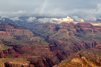 Grand Canyon Hopi Point with rainbow 2013.jpg