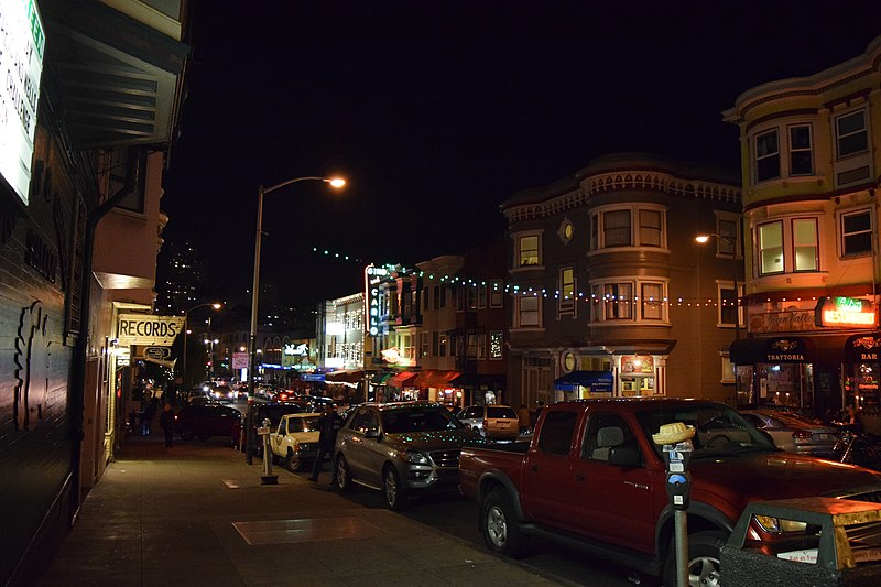 File:Green Street, North Beach, San Francisco, looking west towards Columbus Avenue.JPG