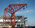 Grua roja del port de València.JPG