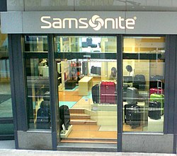 HK Central Des Voeux Road C Samsonite Shop Man Yee Building.jpg