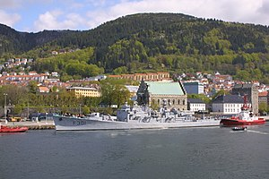 Oslo-class frigate - Bergen in its namesake city for the last time before being decommissioned in 2005.