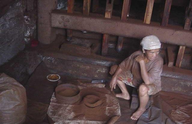 Handmaking coffee in Indonesia