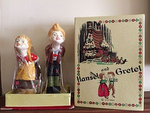 Hansel and Gretel: An Opera Fantasy - Image: Hansel & Gretel soap set