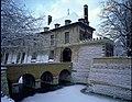 """Het kasteel """"Cantecroy"""", exterieur , n. vleugel, herenwoning en stenen - toegangsbrug - alg.zicht (R.45°) - 356614 - onroerenderfgoed.jpg"""