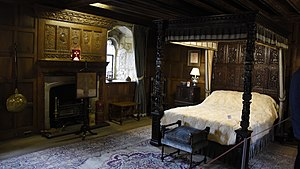 Hever Castle - The bedroom of Henry VIII at Hever Castle