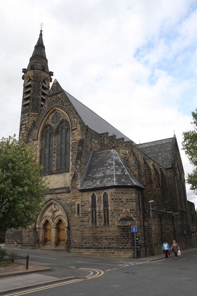 Holy Rood Church, Barnsley by Roger Templeman Geograph 2560968