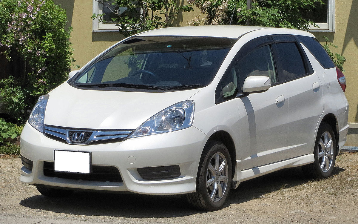 Honda Fit shuttle 1.5L-Model.JPG