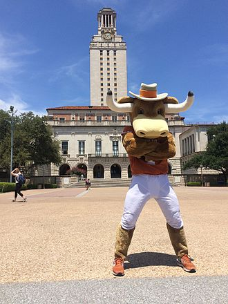 Hook 'em (mascot) - Hook 'Em in front of the University of Texas Tower