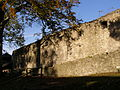 Hukvaldy, hrad, hradba 01.jpg