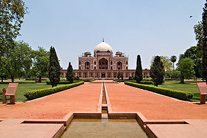 Charbagh - Four central axial water courses define Char Bagh Garden's quadrilateral layout at Humayun's Tomb, Delhi, 1572