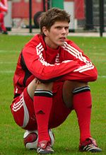 Huntelaar sit.jpg