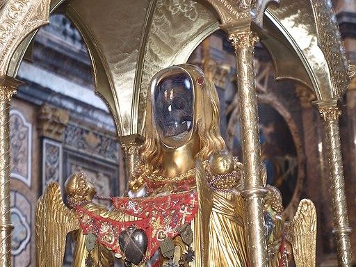 Il teschio di S.Maria Maddalena in basilica - panoramio
