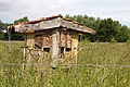 Insektenhotel im Landschaftsschutzgebiet Brelinger Berg IMG 3074.jpg
