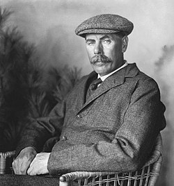 James Braid golf 1904.jpg