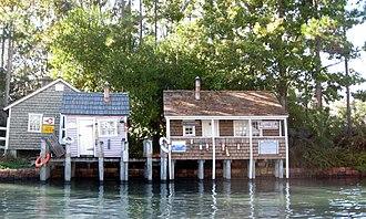 Jaws (ride) - Amity Island buildings