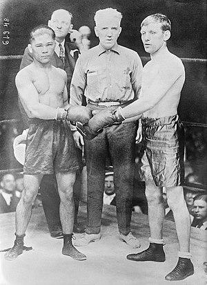 Francisco Guilledo - Pancho Villa (left) vs. Jimmy Wilde (right)