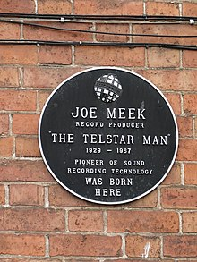 Joe Meek born place plaque, Newent, England.jpg