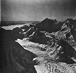 Johns Hopkins Glacier and Mt Bertha, cirque glacier and mountqain glacier, September 12, 1973 (GLACIERS 5507).jpg