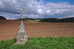 Kříž u cesty do Žlebů, Strhaře, okres Brno-venkov.jpg