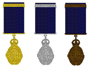 Kaisar-i-Hind Medal - Image: Kaiser I Hind driemaal