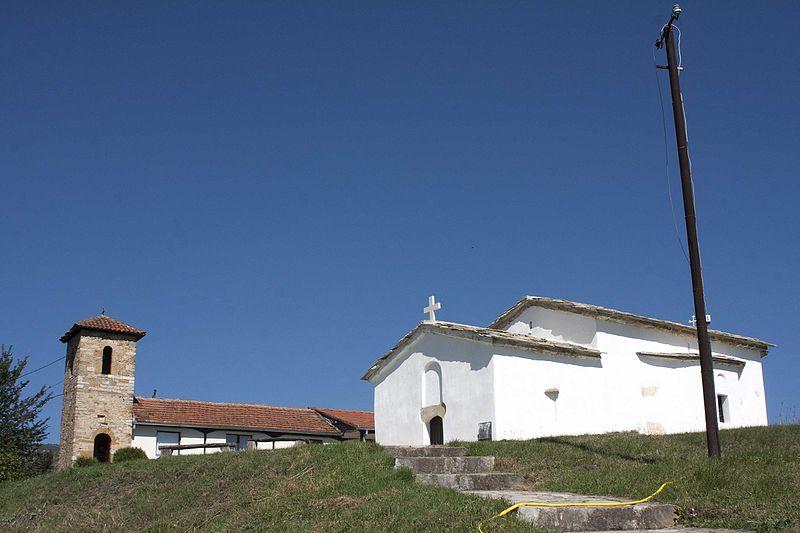 File:Kisha varrezore e Shën Nikollës, HOÇË E MADHE 9.jpg