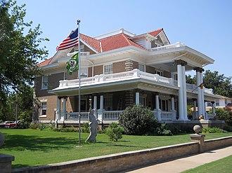 Waverley Historic District (Enid, Oklahoma) - Image: Knox Hedges Mansion