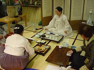 Korean tea ceremony - Image: Korean tea ceremony DSC04095