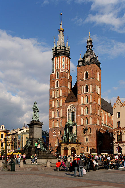 St. Mary's Basilica, Krakow Krakow - St. Mary Church 01.JPG