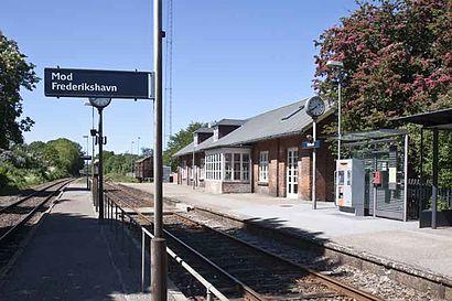 Sådan kommer du til Kvissel Station med offentlig transport – Om stedet
