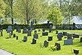 Kyrkogård vid Länna kyrka.jpg