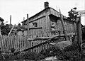 Läntinen Viertotie, Huvila-alue Laakso, Mannerheimintie 51-63-n välillä (entinen kanala, josta asuntopulan aikana oli tehty asunto). - N2249 (hkm.HKMS000005-000001f6).jpg