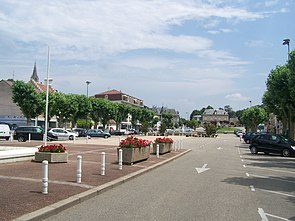 La Tour du Pin (centre).JPG