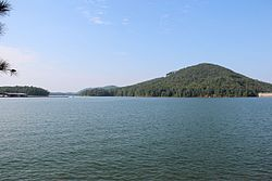 Lake Allatoona viewed from Gatewood Park, August 2016.jpg
