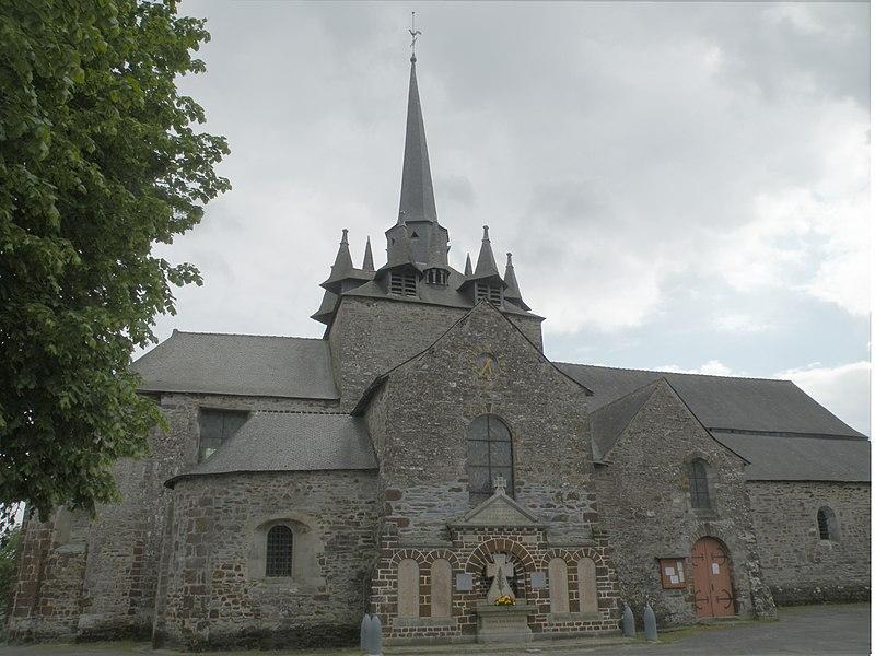 Église Saint-Pierre de Langon, façade nord.