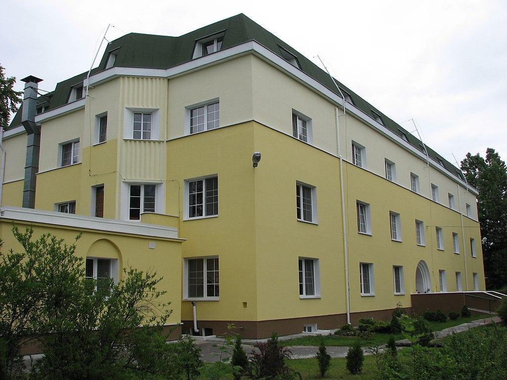 blind boys 39 dormitory in laski poland. Black Bedroom Furniture Sets. Home Design Ideas